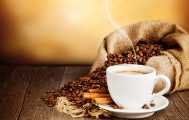 कॉफी आणि टी